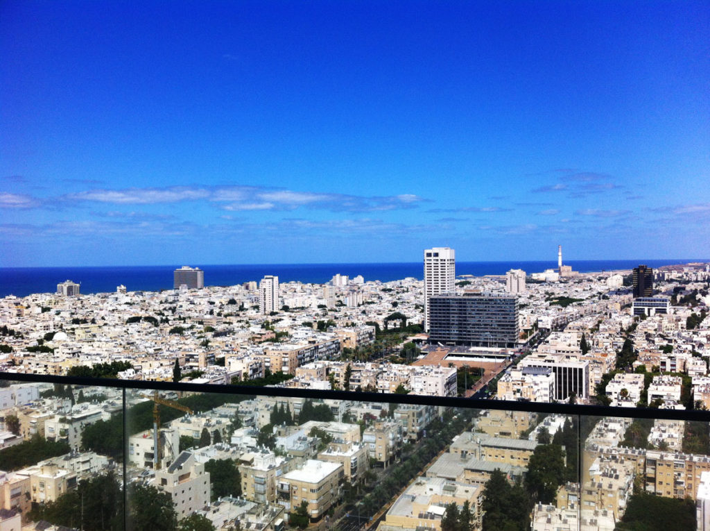 Overlooking the 'Garden City'. A view from the 20th floor of the 'G Tower' in Shaul HaMelech Street, Tel Aviv. Photo by Su Casa Tel Aviv Real Estate. All Rights Reserved.